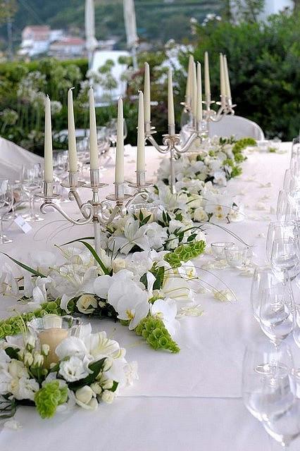 """Чистый белый цвет подчеркивает особую торжественность события! - фото 1929521 Цветочная мастерская """"Ботаник"""""""