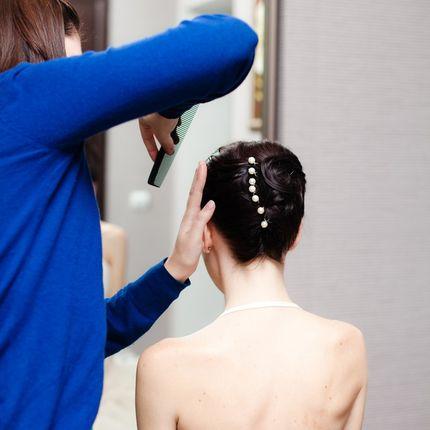 Репетиция прически и макияжа невесты