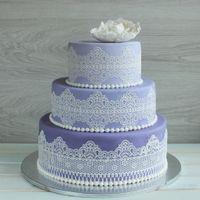 Торт на лавандовую свадьбу