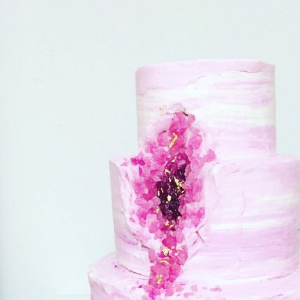 """Торт с декором """"драгоценные камни"""""""