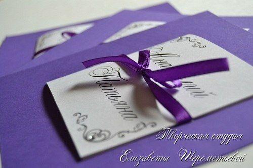 Квадратные пригласительные ручной работы насущенного фиолетового цвета - фото 1976125 Декор, флористика от салона Елизаветы Шереметьевой