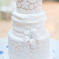 Кружевной свадебный торт