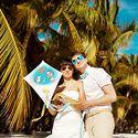 декор, свадебный декор, свадьба на пляже, свадьба за границей, свадьба в доминикане, пляж, beachwedding, арка, ярко, желтый, голубой, живые цветы, воздушный змей