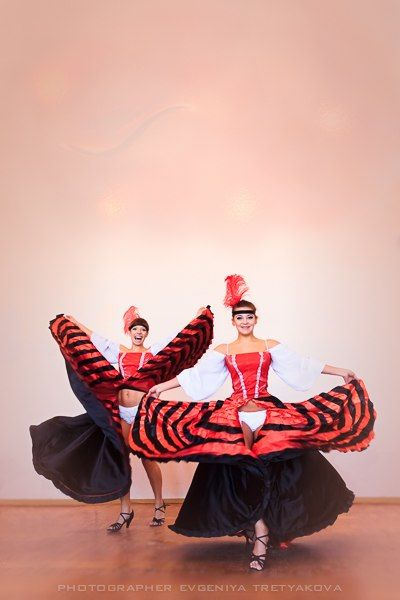 "шоу Балет ""мартини"" - фото 2033942 Arivita - ведущая"
