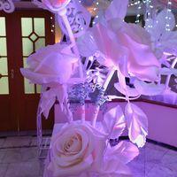 Входную  группу украшали наши шикарные гигантские розы! Фото Николай Пилат