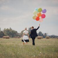 Любовь, поле, шарики :)