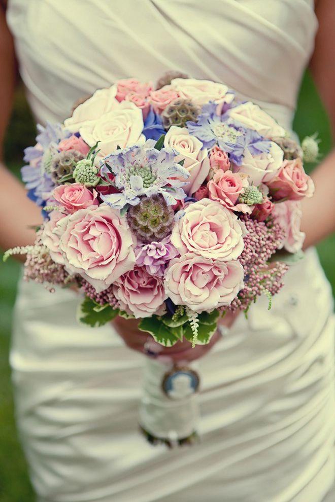 Невесты, свадебный букет и его цена украина