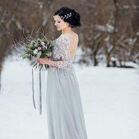свадебная фотосессия зимой, зимний букет, серое платье