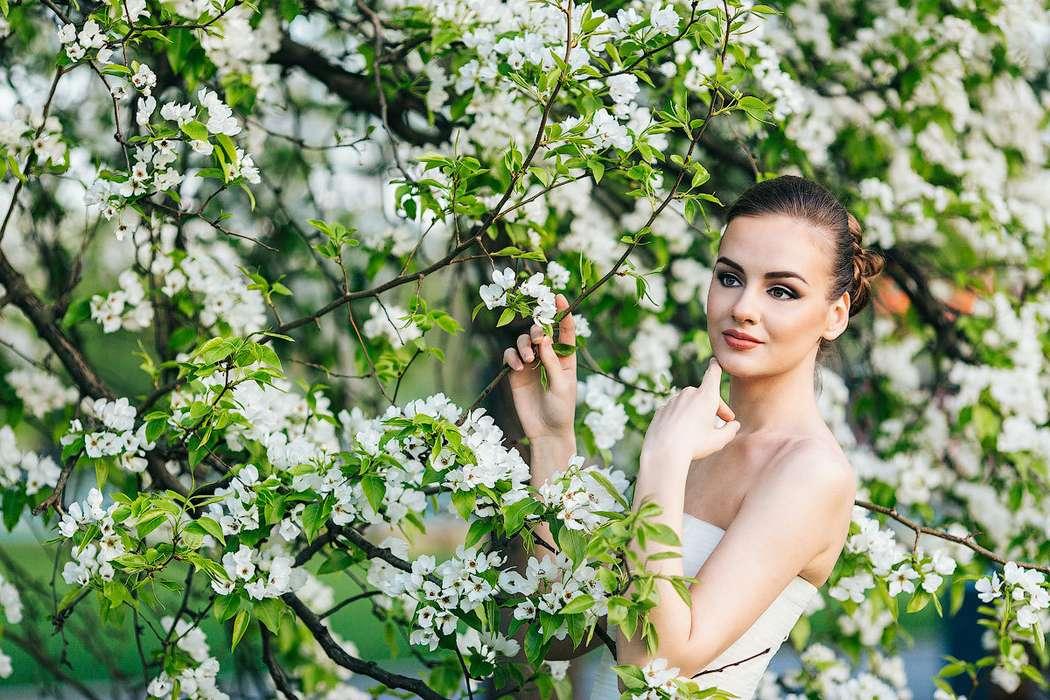 фотосессия в цветущем саду картинки время как