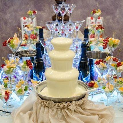 Шоколадные фонтаны + пирамида из шампанского