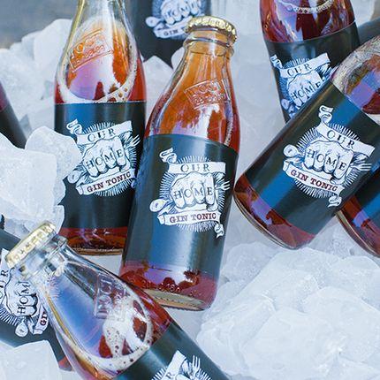 Коктейли в фирменных бутылочках