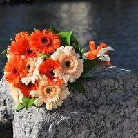 Букет невесты из гербер в оранжевых тонах