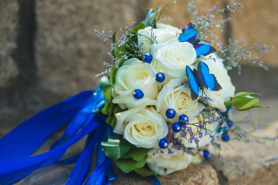 Букет невесты с синей лентой, симферополе оптом