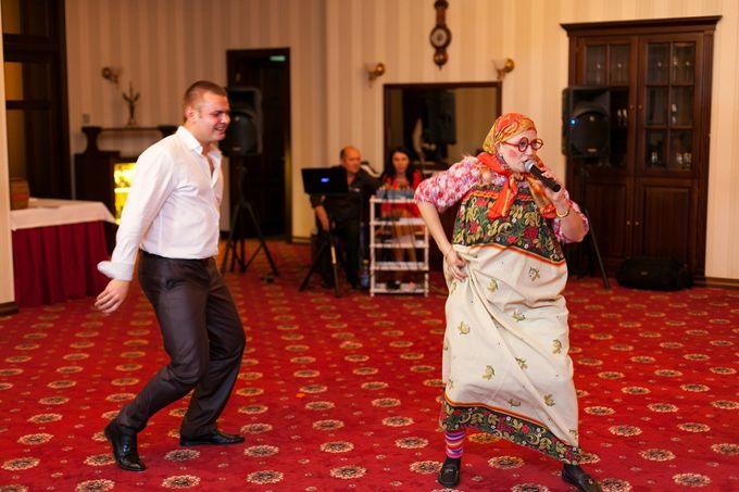 """Бабушка Шизгара Егоровна ( коротко-баба Шиза ))поет """" Шизгаре""""))"""