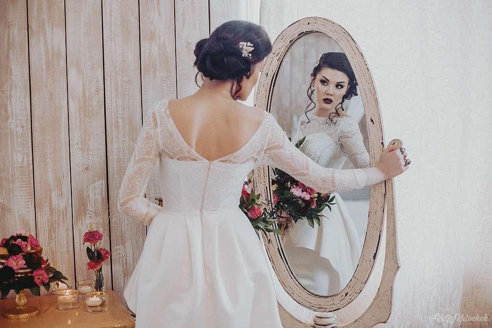 невеста, низкий пучок, украшения ручной работы, золото, богемный стиль - фото 4787519 Стилист-визажист Катрина Петренко