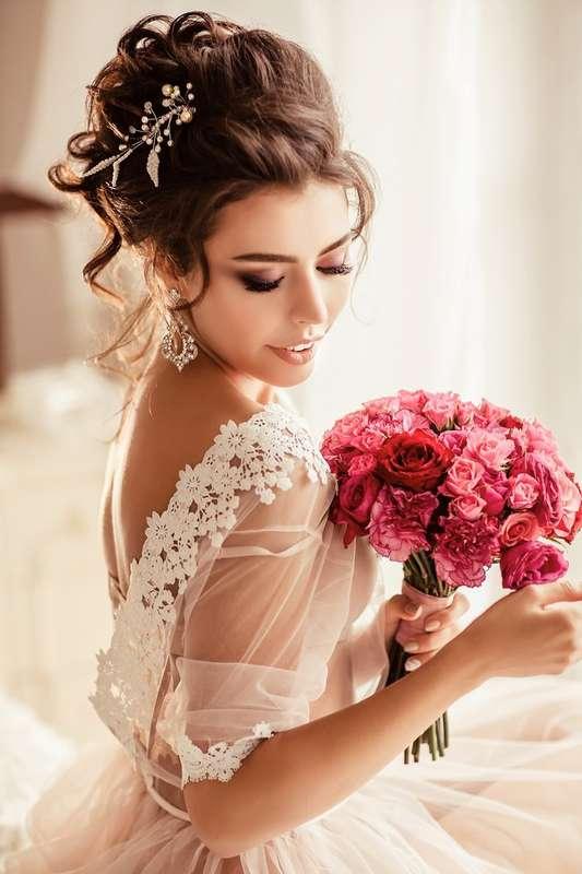 стильное платье, прическа -высокий небрежный пучок, достаточно яркий (для невесты) макияж - фото 11401158 Стилист-визажист Катрина Петренко