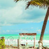 креативная свадебная арка на пляже