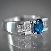 Роскошное кольцо с лондон топазом и бриллиантами
