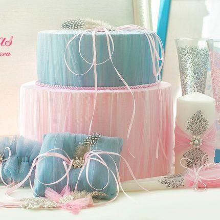 Казна в форме торта с декором из фатина