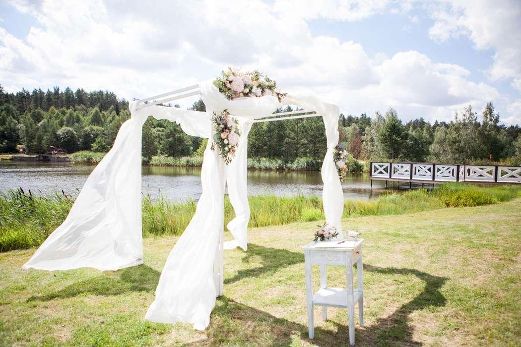 Декор свадебной церемонии - фото 16389890 Флорист Наталья Жукова