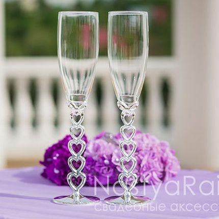 Бокалы на свадьбу с ножкой в виде сердца