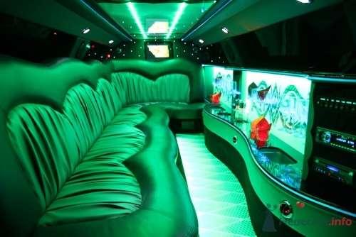 """Chrysler 300-С салон - фото 395 Аренда лимузинов """"Dem"""""""