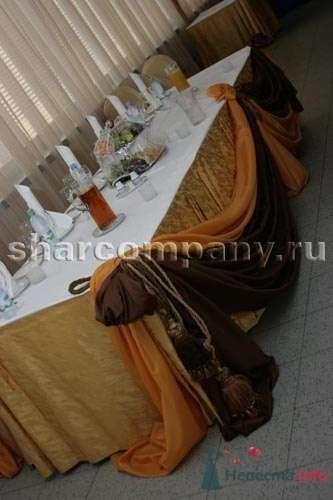 "Дрпировка стола в президиуме - фото 15176 Компания ""Шар"" - оформление"
