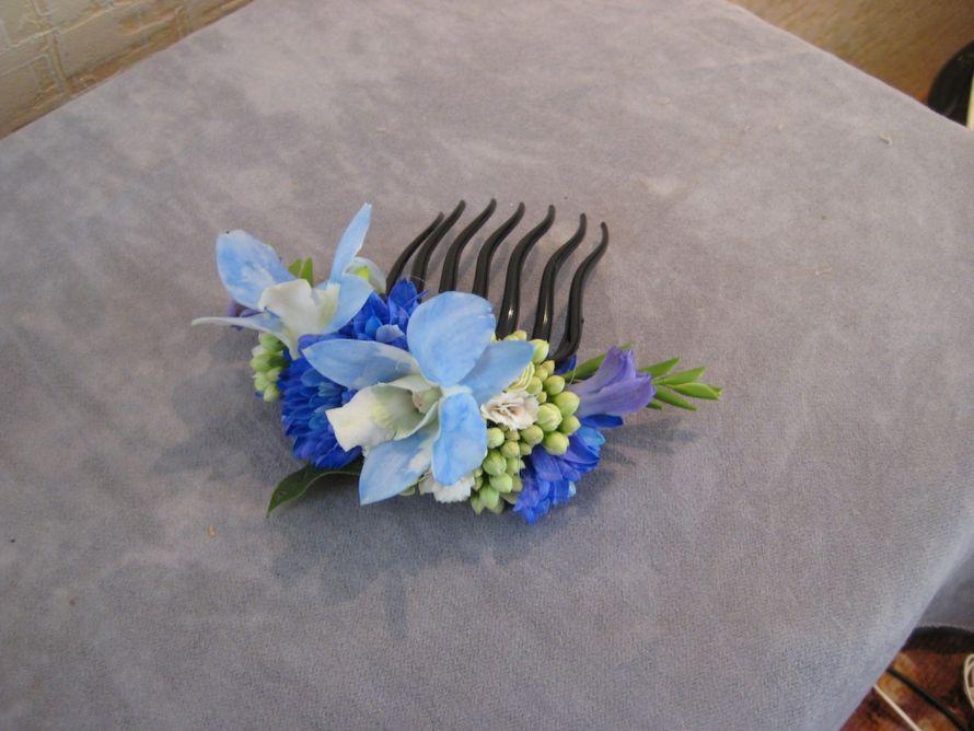 цветы в прическу:гребень - фото 2594153 Цветочная мастерская Любови Ветровой