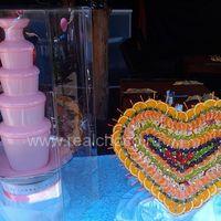 """Шоколадный фонтан 80см, шоколад клубничный и фруктовая композиция """"Сердце"""""""