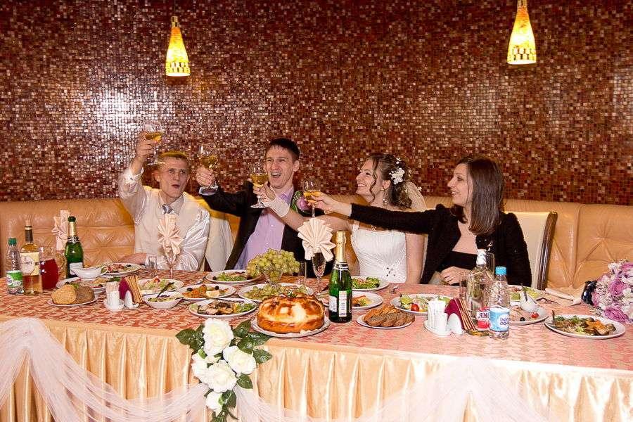"""Место проведения: ресторан """"Гауди"""" г.Хабаровск  Количество гостей: 43 - фото 2504345 DZemtsov - организация свадьбы"""