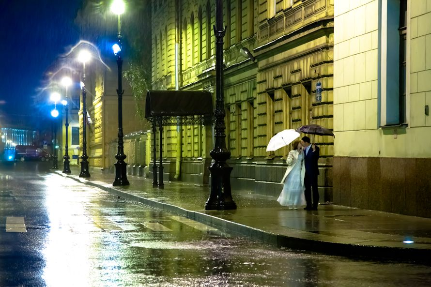 оригинальным востребованным питер под дождем фото вам