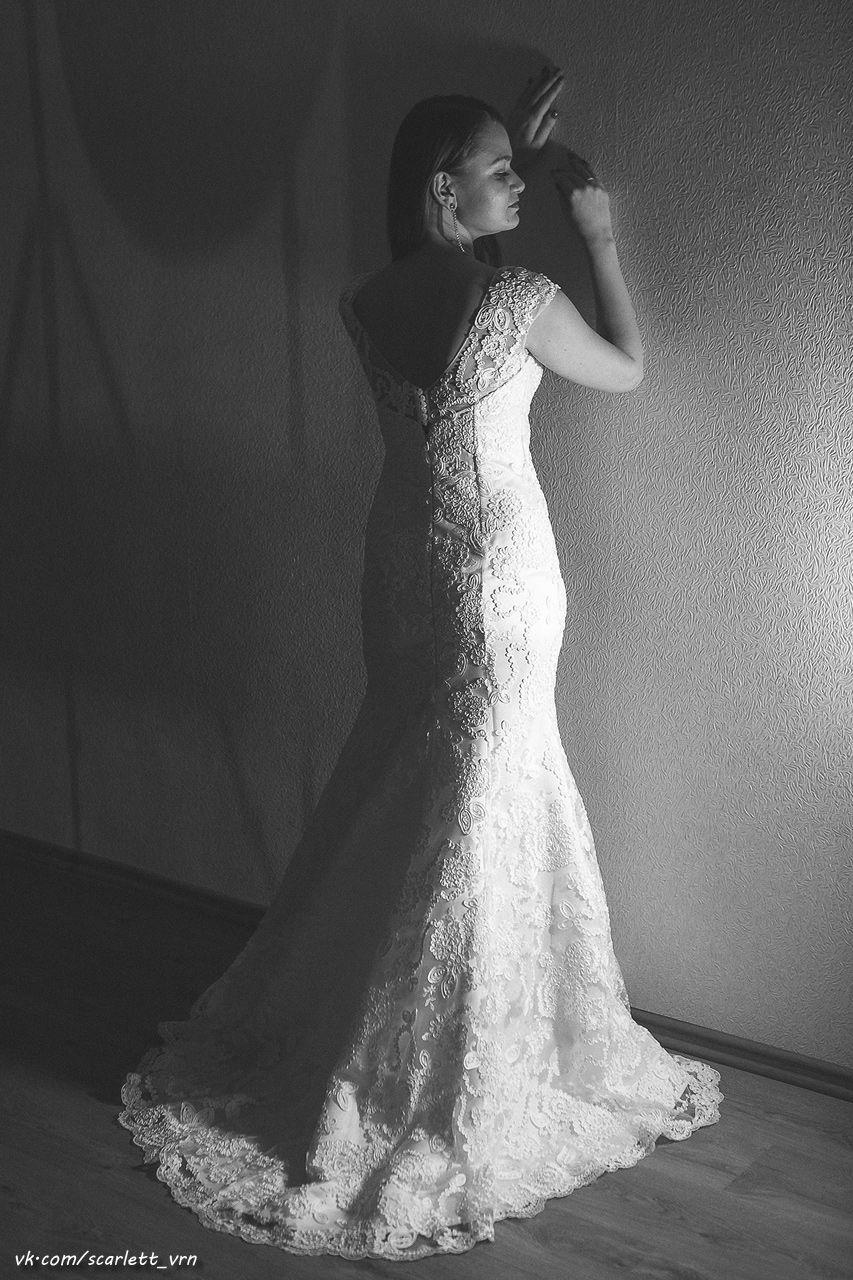 """Цвет: белый.  Шикарное, объёмное французское кружево, недлинный шлейф, очень элегантная спина на пуговичках. - фото 2483803 Свадебный салон """"AnnaBelle"""""""