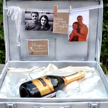 Декор чемодана на свадьбу
