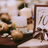 Свадебный декор и оформление. Свадебный букет, декор бокалов, флористика на стол молодых.