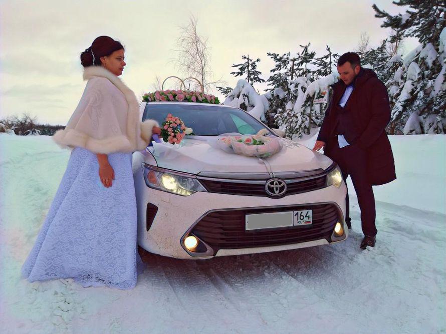 Тойота камри новые черные и белые с украшениями - фото 18476518 Авто на свадьбу - Forvard-караван