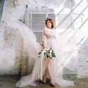 будуарное платье невесты от princess club , флористика для фотосессии @Forever_Flower_msk