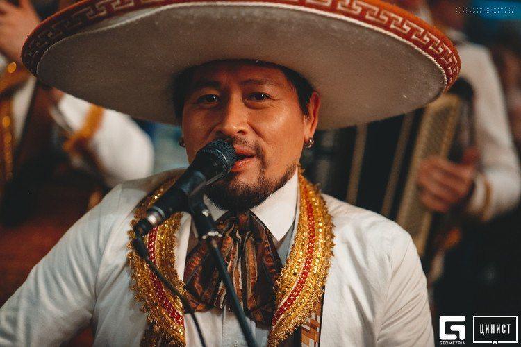 Зажигательное выступление мексиканских Марьячи