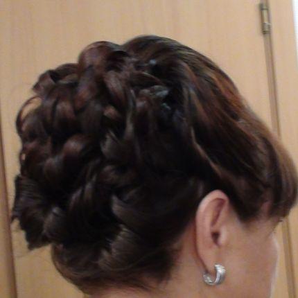 Причёска для мамы невесты