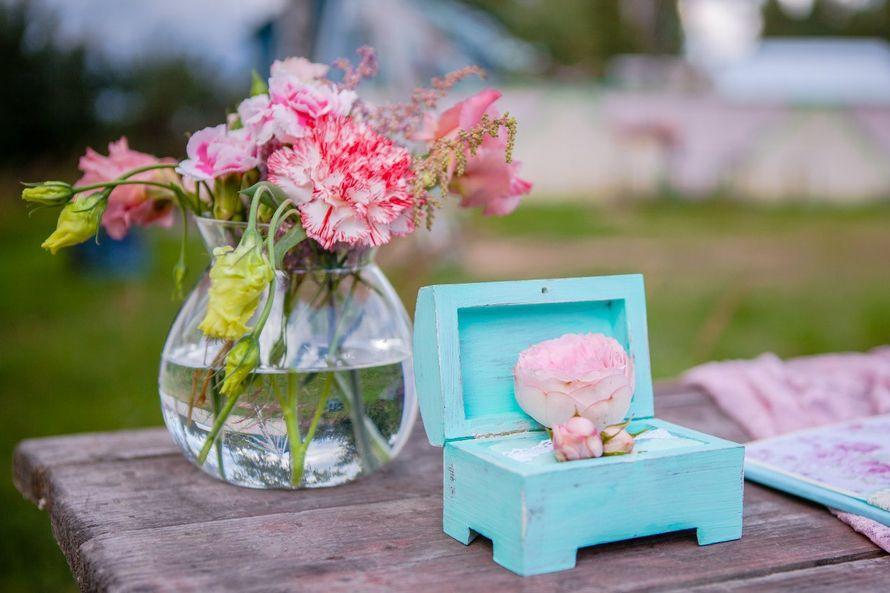 Шкатулка для колец, оформленная в общей стилистике свадьбы. - фото 6626618 Студия декора Арт-знаК