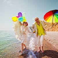 Яркая радужная свадьба
