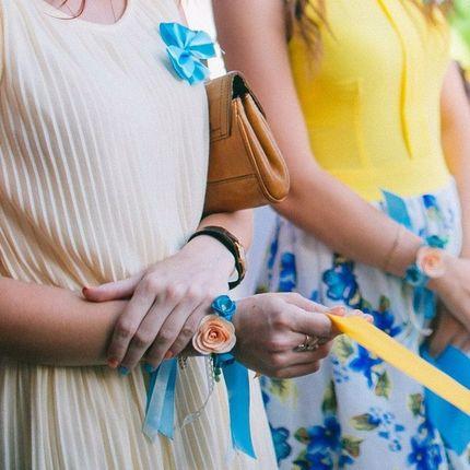 Персиково-голубые браслеты для подружек невесты