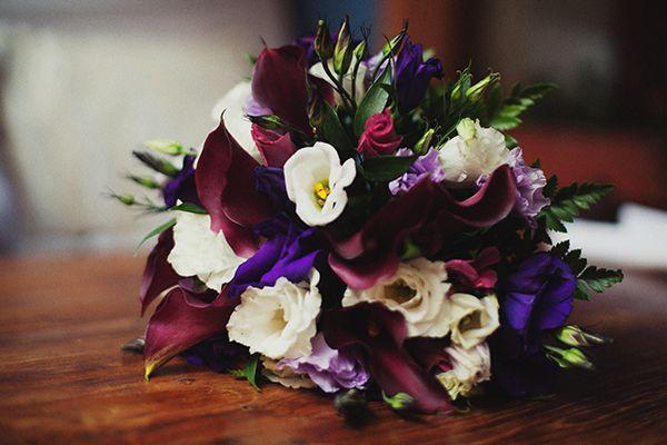 Букет невесты из бордовых калл, фиолетовых, сиреневых и белых эустом  - фото 969563 Deminvideo - фото-видеосъёмка