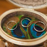 Шкатулка для колец с павлиньими перьями