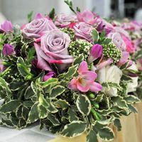Оформление свадьбы. Цветочная композиция на стол молодых.