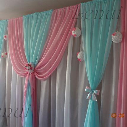 Оформление зала в розовых и бирюзовых цветах
