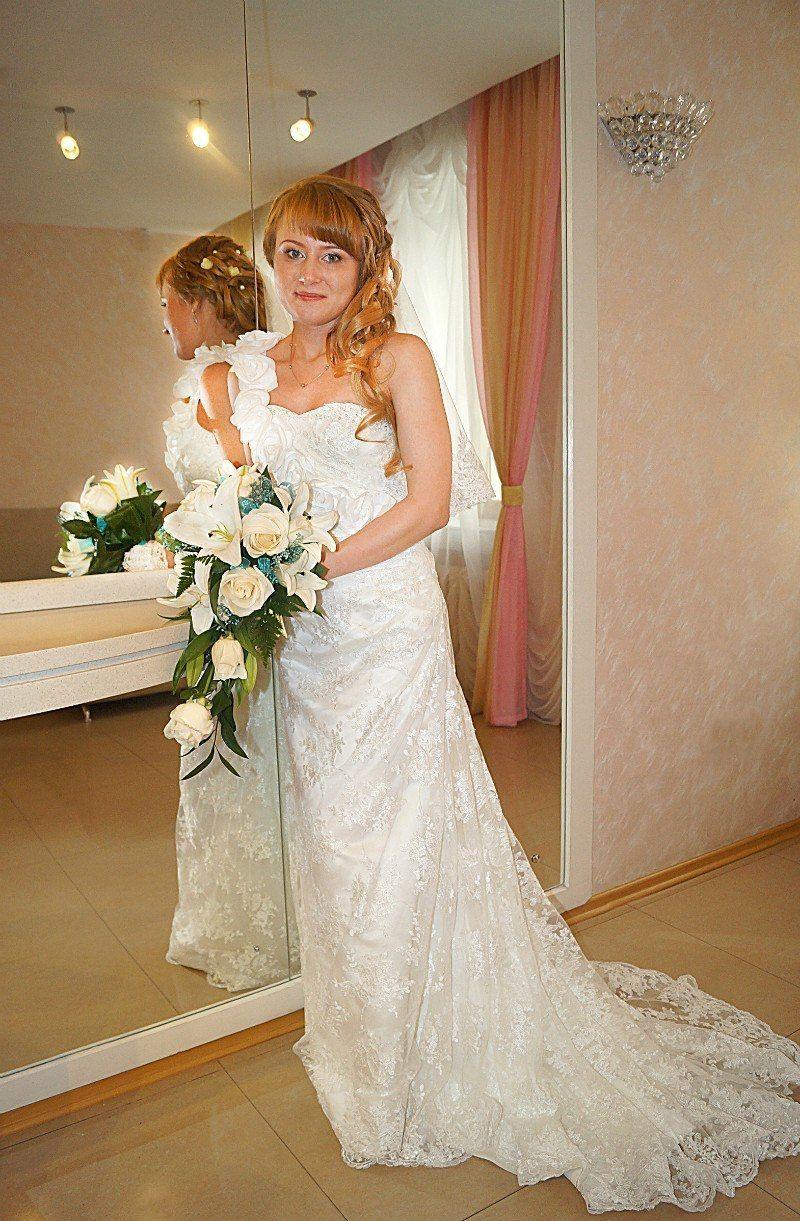 Шикарное кружевное платье со шлейфом на невесте Светлане!Спасибо что выбрали платье у нас! - фото 14892604 Свадебный салон Юлии Савиной