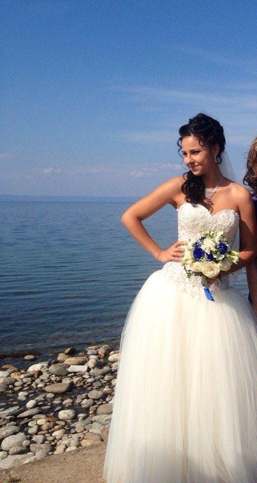 Платье с расшитым заниженным корсетом смотрится шикарно на невесте Виолетте!! - фото 14892634 Свадебный салон Юлии Савиной