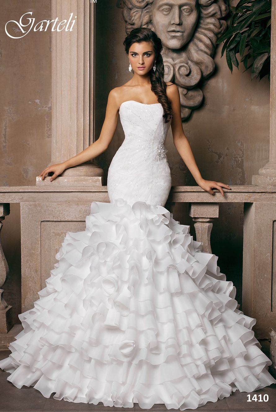 в наличии размеры 40 и 42, цена 15000р - фото 14892780 Свадебный салон Юлии Савиной