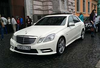 Мерседес бизнес класса w212 белого цвета. - фото 3280791 Lincolnn пассажирские перевозки