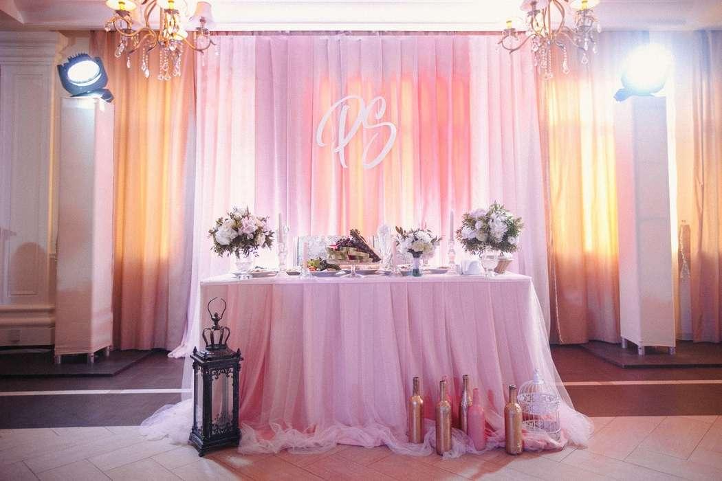 "Декор президиума в розовом цвете. Декор стола в розовом цвете - фото 12741618 Декор-агентство ""Leica decor"""